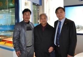 2012年3月25日与中国科学院卯晓岚教授(中)、江苏安惠生物科技有限公司董事长陈惠(右)一起